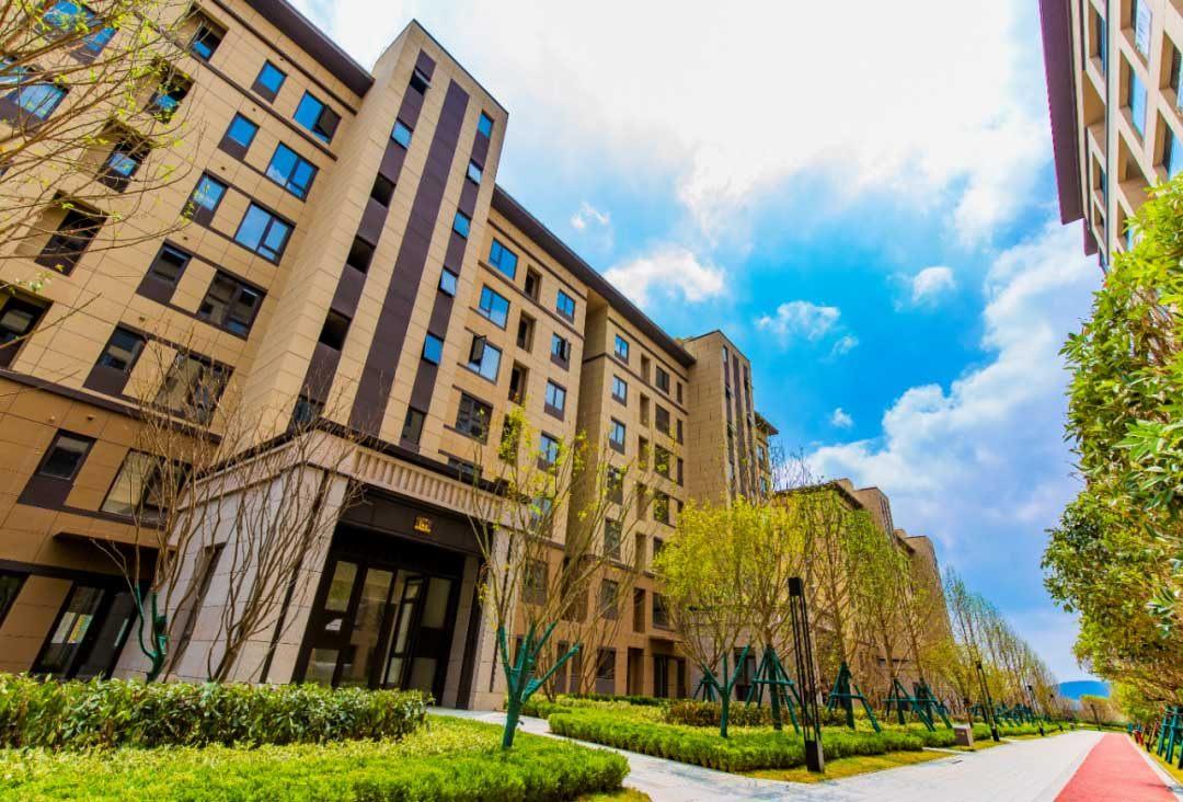 中骏云谷小镇 高层及洋房在售 均价约7800元/㎡起